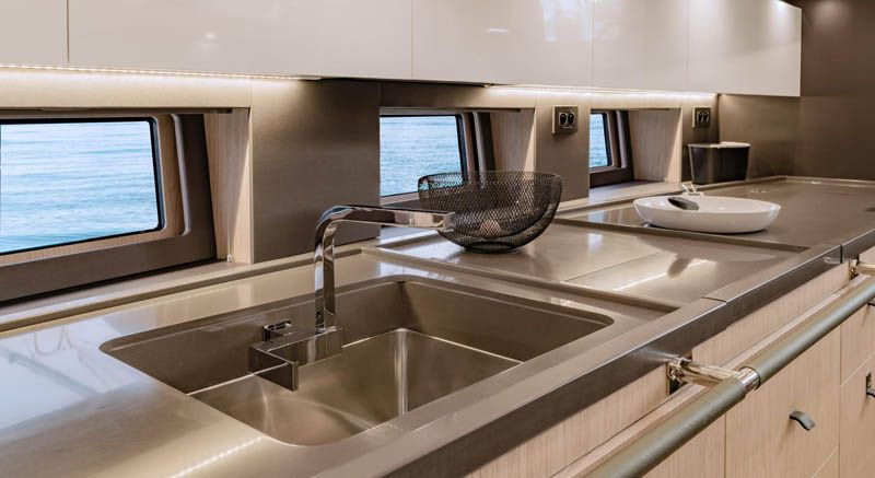 oceanis_yacht_32