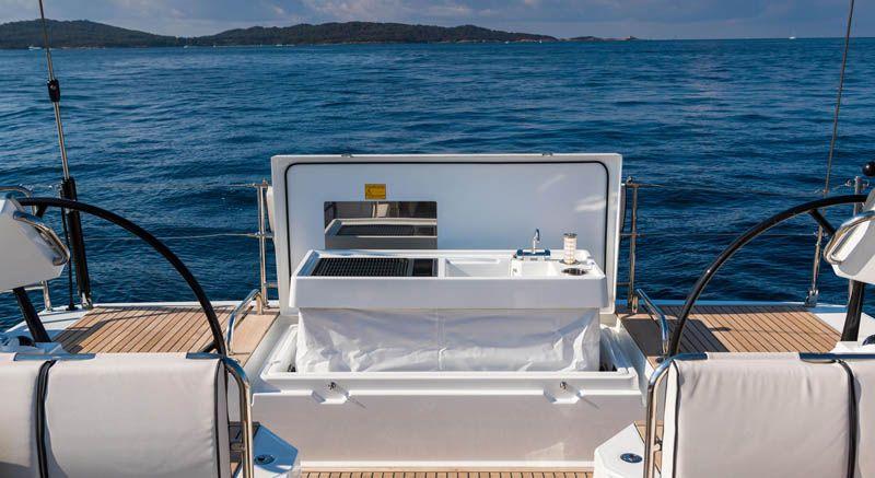 oceanis_yacht_39